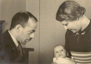 1939 - Vader en moeder Frid met hun pasgeboren zoon Arthur