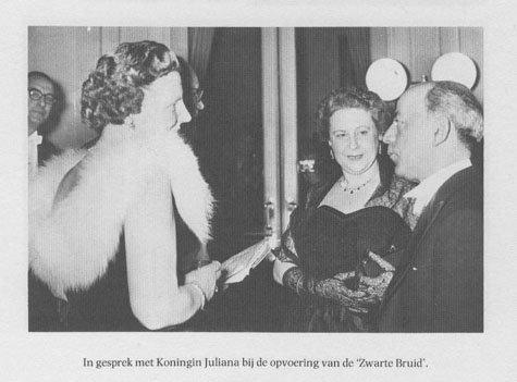 1959 - GF en echtgenote met Koningin Juliana in de Stadsschouwburg bij de première van zijn opera (Uit Frids autobiografie)